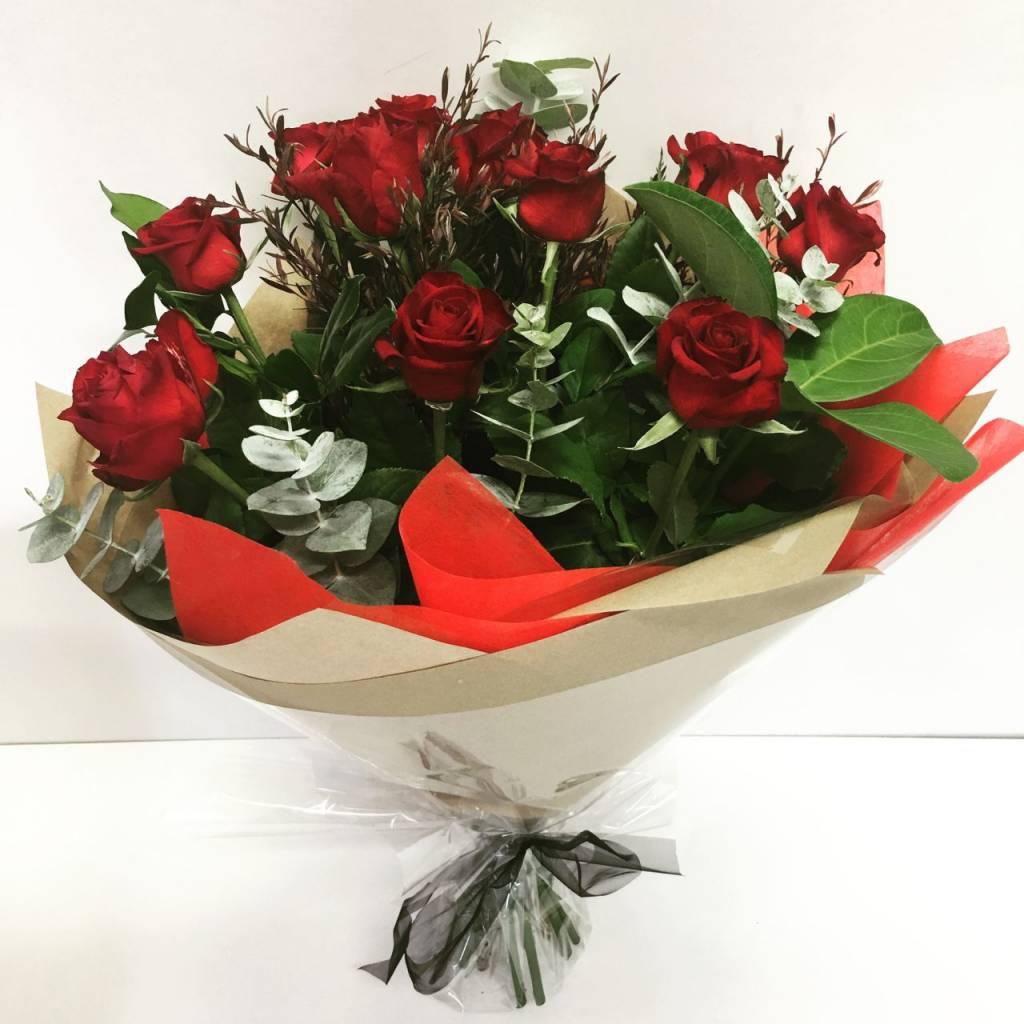 1-dozen-red-rose-bouquet