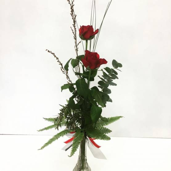Red-Rose-stem-vase-arrangement