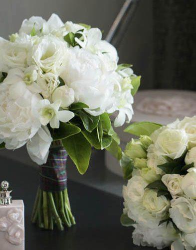 White Wedding flowers Posy Style Resonate Designs Florist