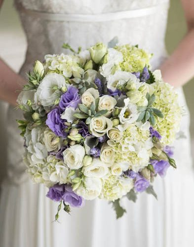 lilac and white wedding bouquet Resoante Designs